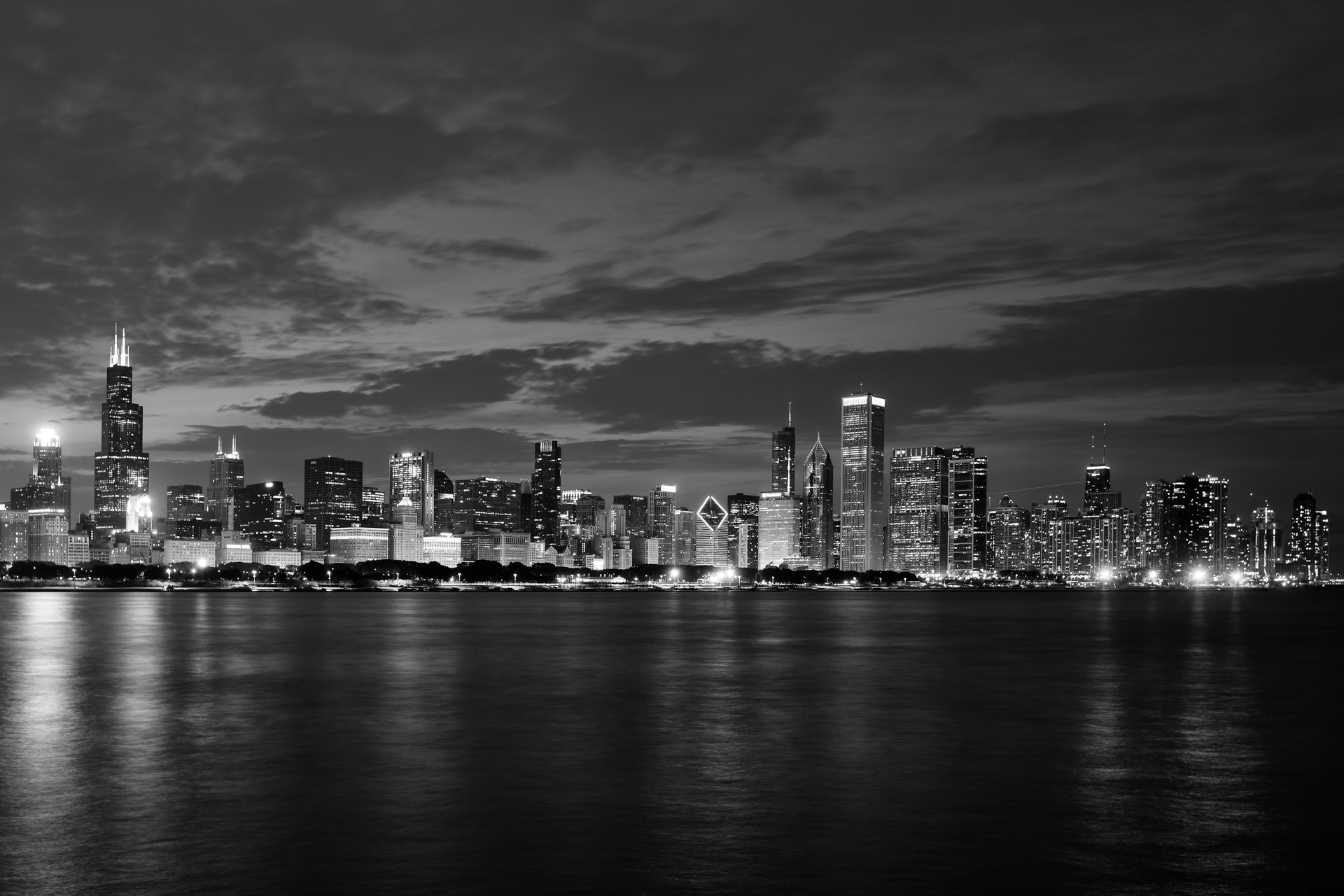 AlmudenaPlaza-Chicago-Skyline-night