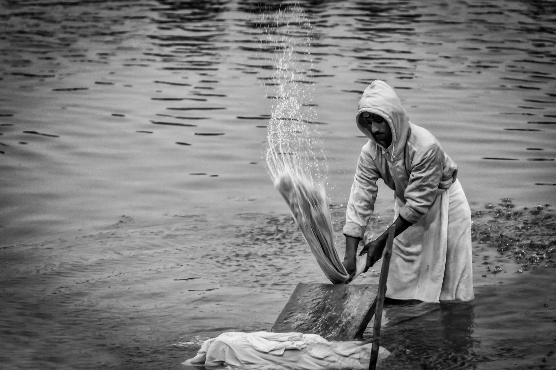 India-Ganges-laundry