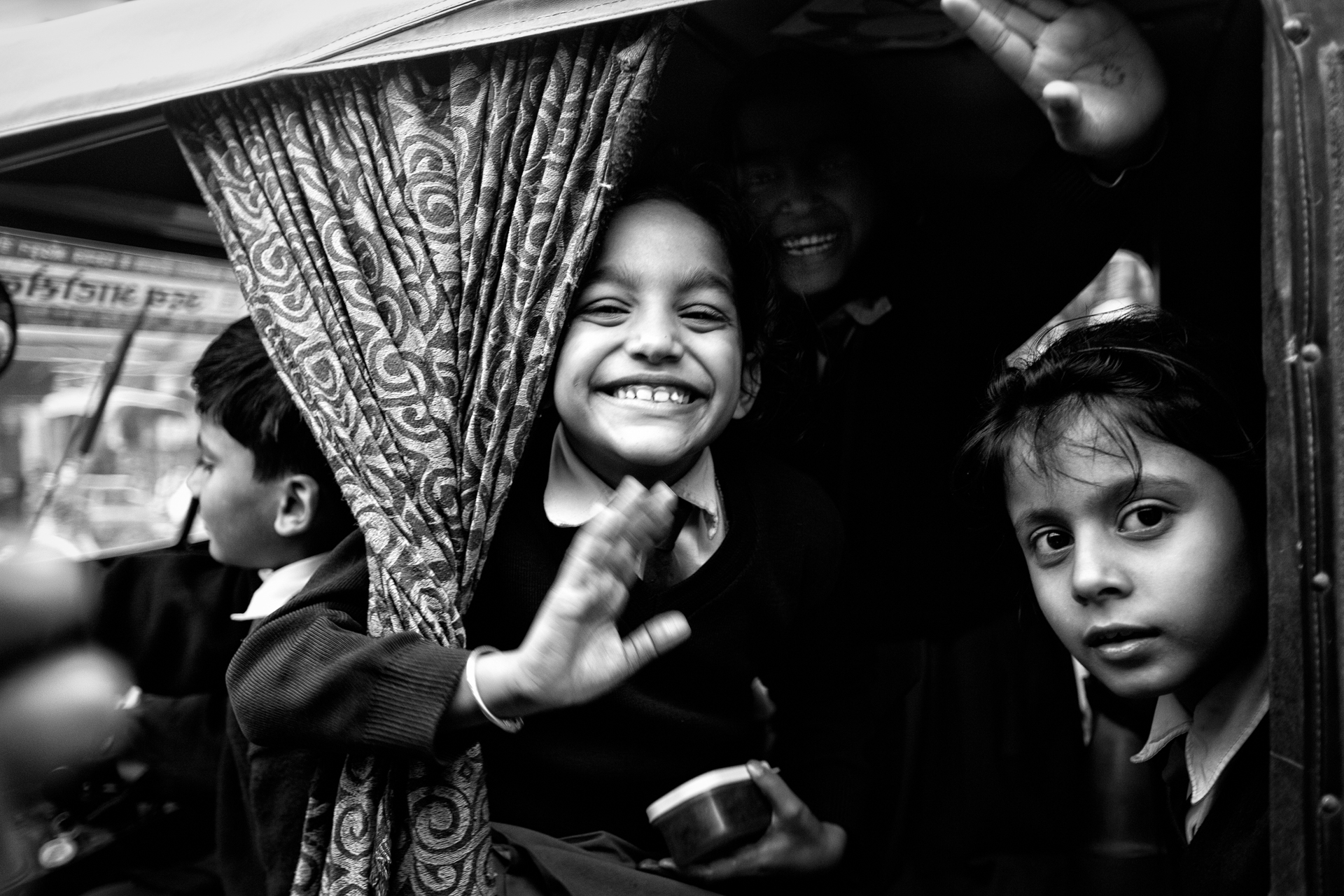 India-kids-smile-black&white
