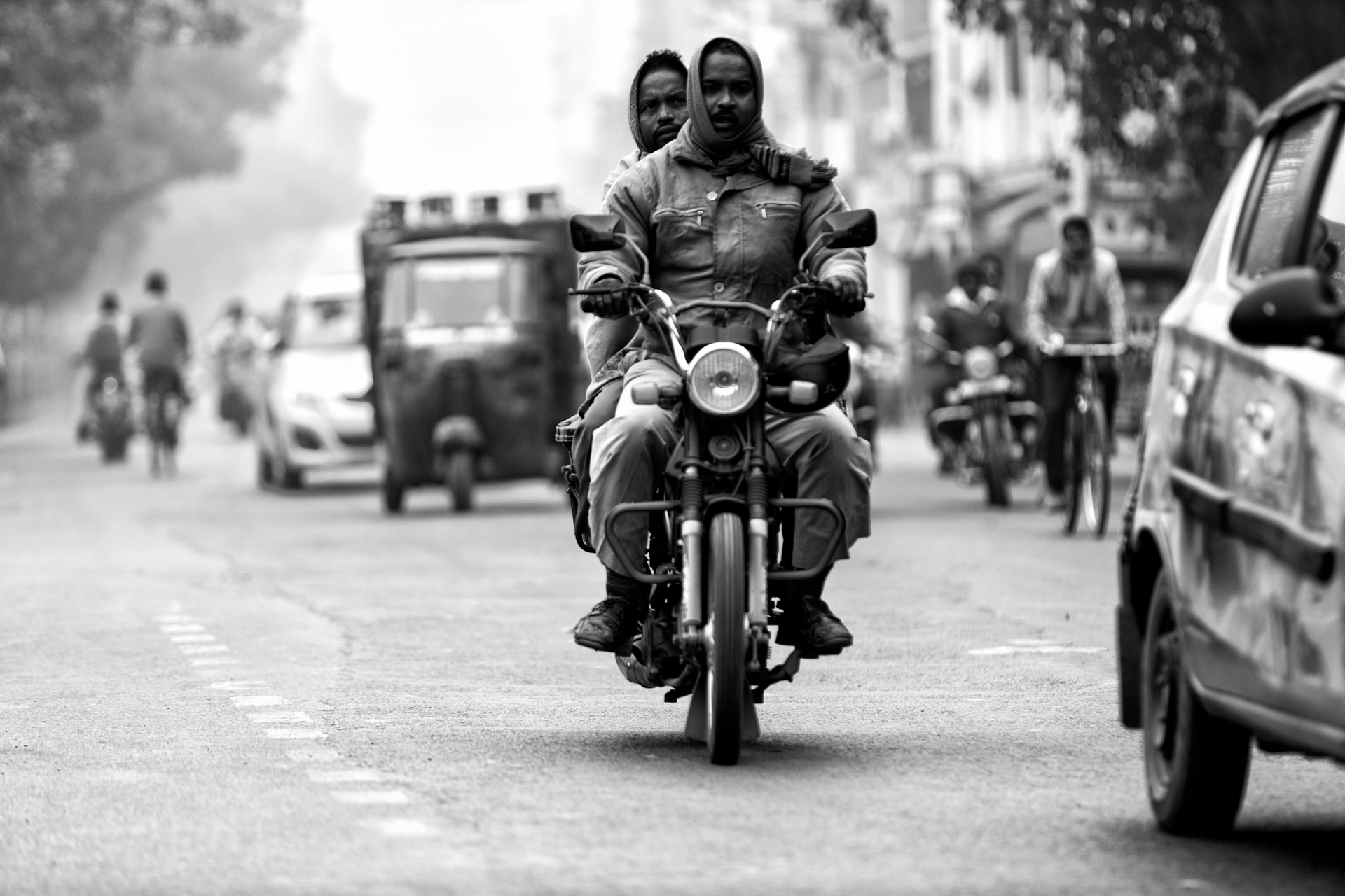 India-moto-black&white